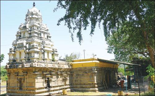 தான்தோன்றீஸ்வரர் கோயில்