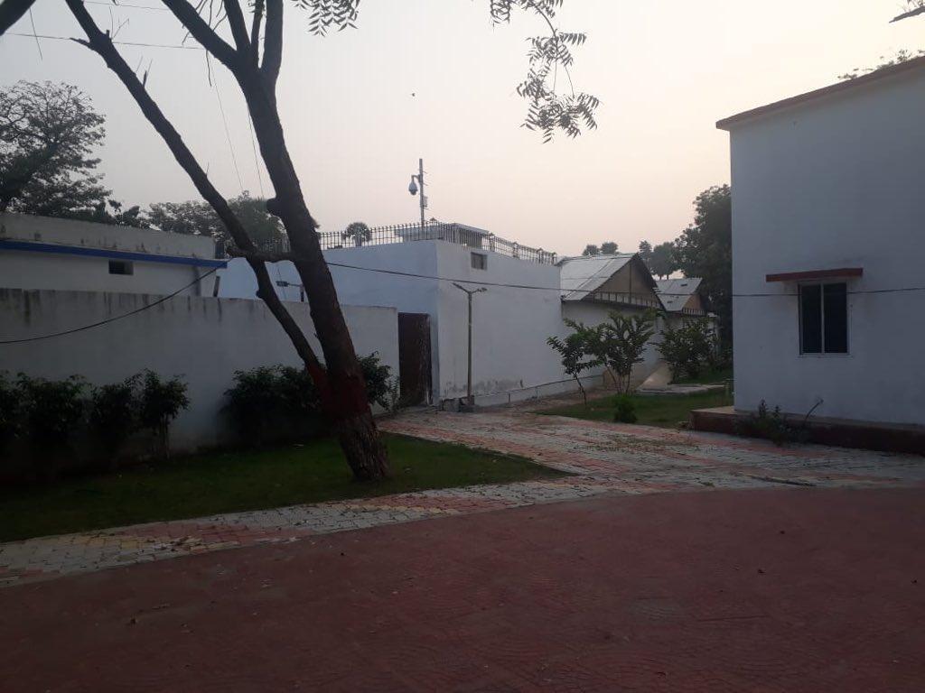 நிதிஷ் குமார் வீடு கேமரா பொருத்தப்பட்டுள்ள இடம்