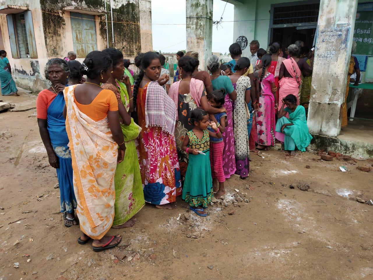 கஜா பாதித்த பகுதிகளில் மருத்துவ முகாம்