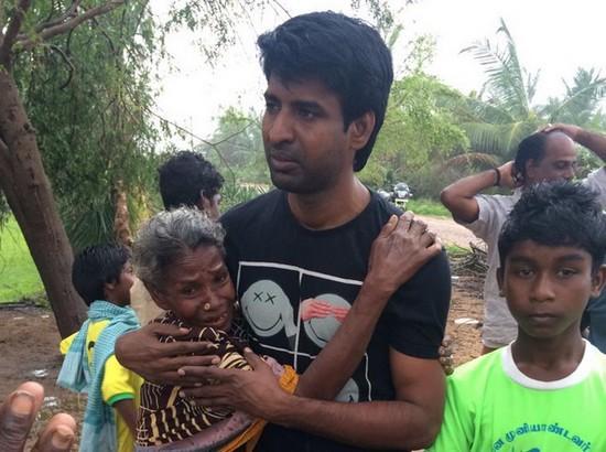 கஜா பாதித்த பகுதிகளில் நடிகர் சூரி