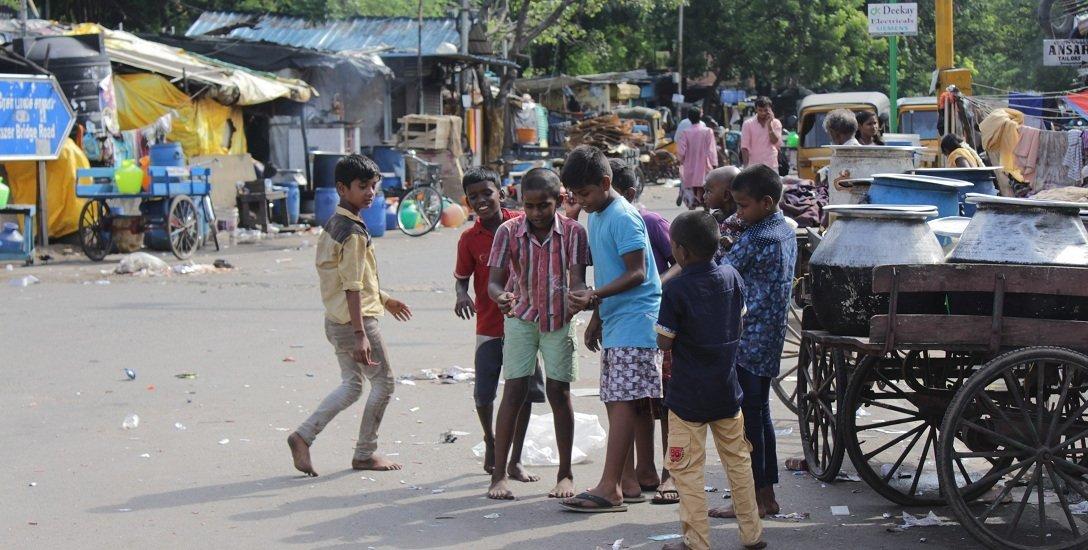 பரபர சென்னை தீபாவளியன்று எப்படி இருந்தது...  பெசன்ட்  நகர் டு தி.நகர் ஒரு விசிட்!