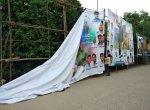 போலீஸ் உதவியுடன் இரவில் 'சர்கார்' பேனர்களை அகற்றிய ரசிகர்கள்!