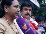 'அமைச்சர்களுக்கும் குளிர்விட்டுப்போச்சு!' - ஜெயக்குமாருக்கு பிரேமலதா பதிலடி