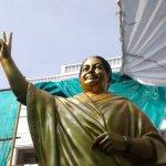 விமர்சனங்கள் எதிரொலி - ஜெயலலிதாவின் புதிய சிலை இன்று திறப்பு!