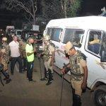 தீ வைக்கப்பட்ட 5 அரசு வாகனங்கள்; படுகாயமடைந்த டி.எஸ்.பி -ஆலங்குடியில் பதற்றம்! #Gajacyclone
