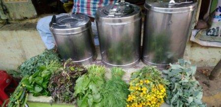 நேரடி மூலிகைக் கொள்முதல், ₹ 10 விலை... தஞ்சையைக் கலக்கும் மூலிகை சூப் ஸ்டால்!