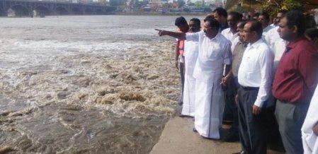 `எந்த ஆபத்தும் இல்லை; பயப்படாதீங்க!' - மதுரை மக்களுக்கு செல்லூர் ராஜுவின் மெசேஜ்