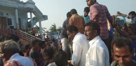 நாகையில் நிவாரணப் பணிகளில் ரஜினி மக்கள் மன்றம் #Gaja