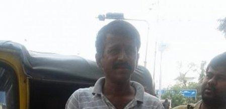 பேல்பூரி விற்பனை...  பார்ட் டைமாக இங்கிலீஷ் டியூஷன்... கலக்கும் கதிரவன்!