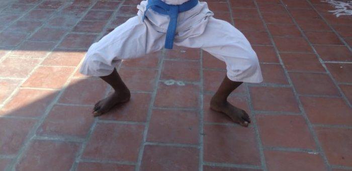 பனியன் கம்பெனி ஊழியரின் மகள், தேசிய அளவு கராத்தே போட்டியில் பங்கேற்பு!