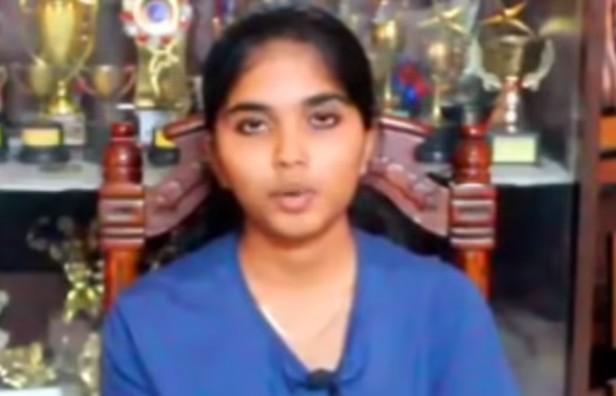 நடிகர் பவர்ஸ்டார் சீனிவாசன் மகள் வைஷ்ணவி
