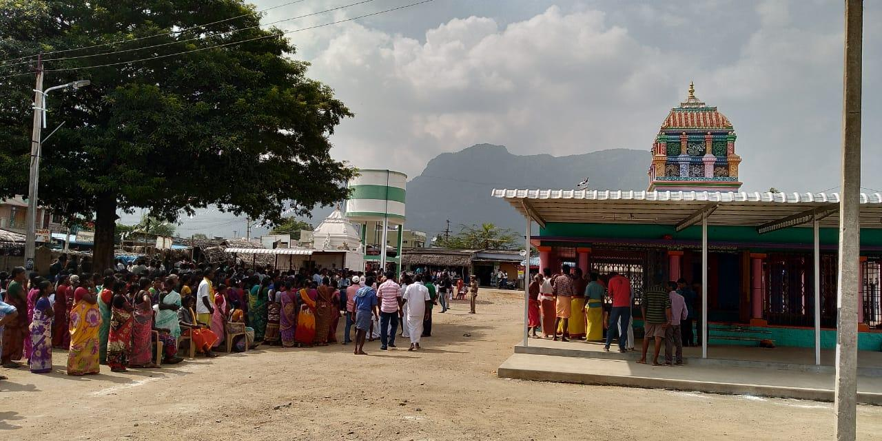 மாரியம்மன் கோயில் - சிலை