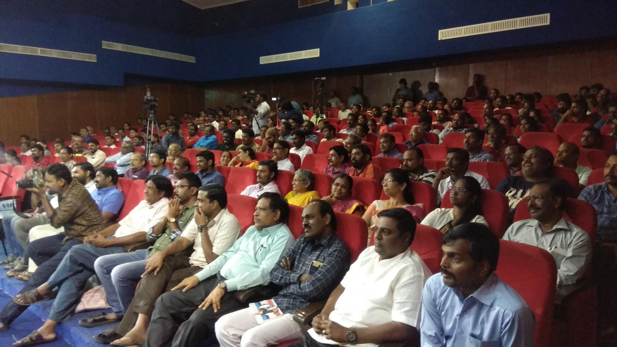 பாராட்டு விழாவில் கலந்து கொண்டோர். எஸ்.ராமகிருஷ்ணன்