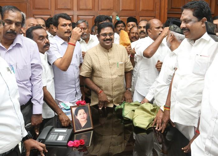 டிடிவி தினகரனுடன் செந்தில் பாலாஜி