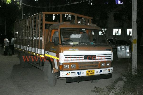 தாது மணல் கடத்திய லாரி