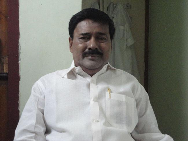 கரூர் சாகுல் அமீது(அ.தி.மு.க கரூர் மாவட்ட முன்னாள் செயலாளர்)