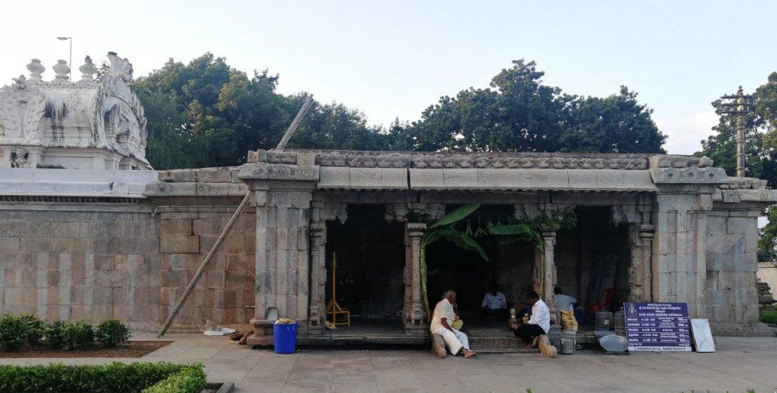 பிரம்மா, விஷ்ணு, சிவன் மூவரும் லிங்கமாக காட்சியளிக்கும் சிவன் கோயில் அற்புதங்கள்!