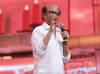 `விஜய் சேதுபதி நடிகன் இல்லை... மகா நடிகன்!' - நெகிழ்ந்த ரஜினி