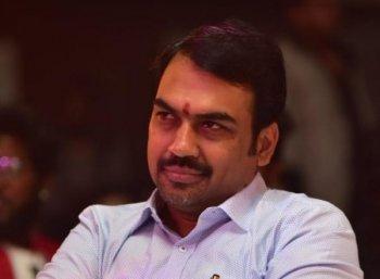 `பா.ஜ.க-வில் நானா.... அட கொஞ்சம் பொறுங்க பாஸ்!' - ரங்கராஜ் பாண்டே