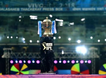 ஐ.பி.எல் ஏலம்: இளம் வீரரை தேர்வு செய்த சென்னை சூப்பர் கிங்ஸ்! #LiveUpdates #IPL