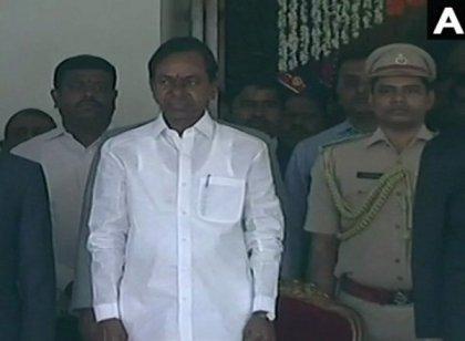 தெலங்கானா முதல்வராக மீண்டும் பொறுப்பேற்ற கே.சி.ஆர். பின்னணி...!