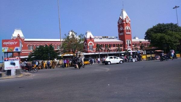 சென்னை சென்ட்ரல் ரயில் நிலையம்