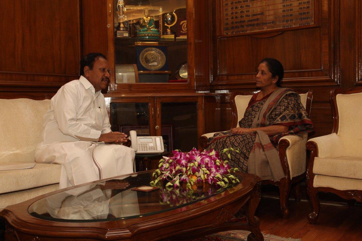 தம்பிதுரை - நிர்மலா சீதாராமன்