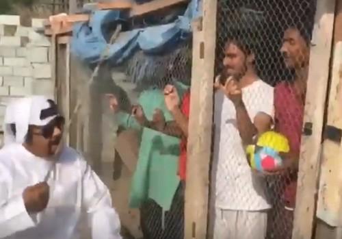 இந்தியர்களை துன்புறுத்திய அரபு மனிதர்
