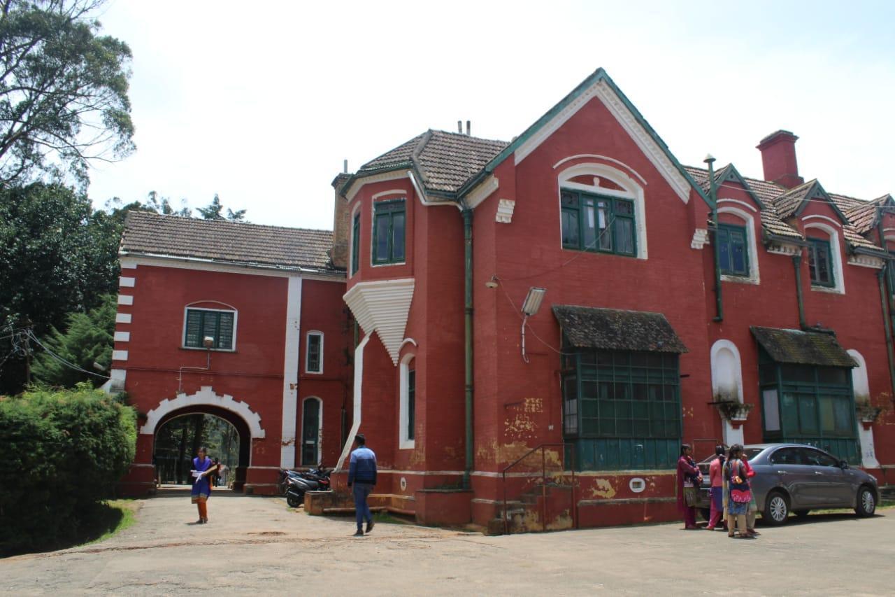 ஊட்டி அரசு கல்லூரி