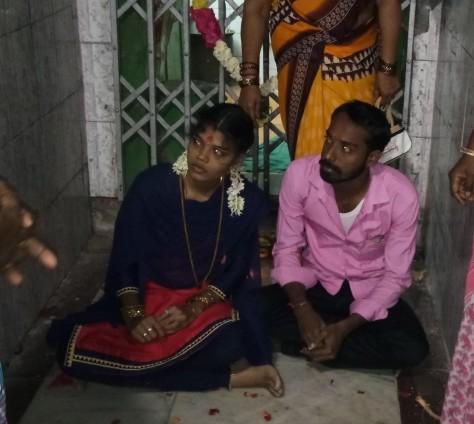 ரயில்வே ஊழியர் சதீஷ், சித்ரா