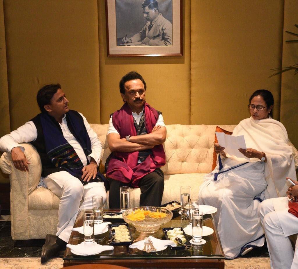 மம்தா பானர்ஜியுடன் ஸ்டாலின்