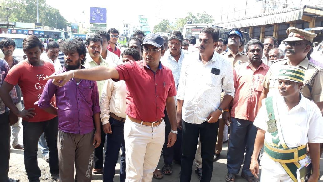 காஞ்சிபுரம் பேருந்து நிலையம் ஆக்கிரமிப்பு அகற்றம்
