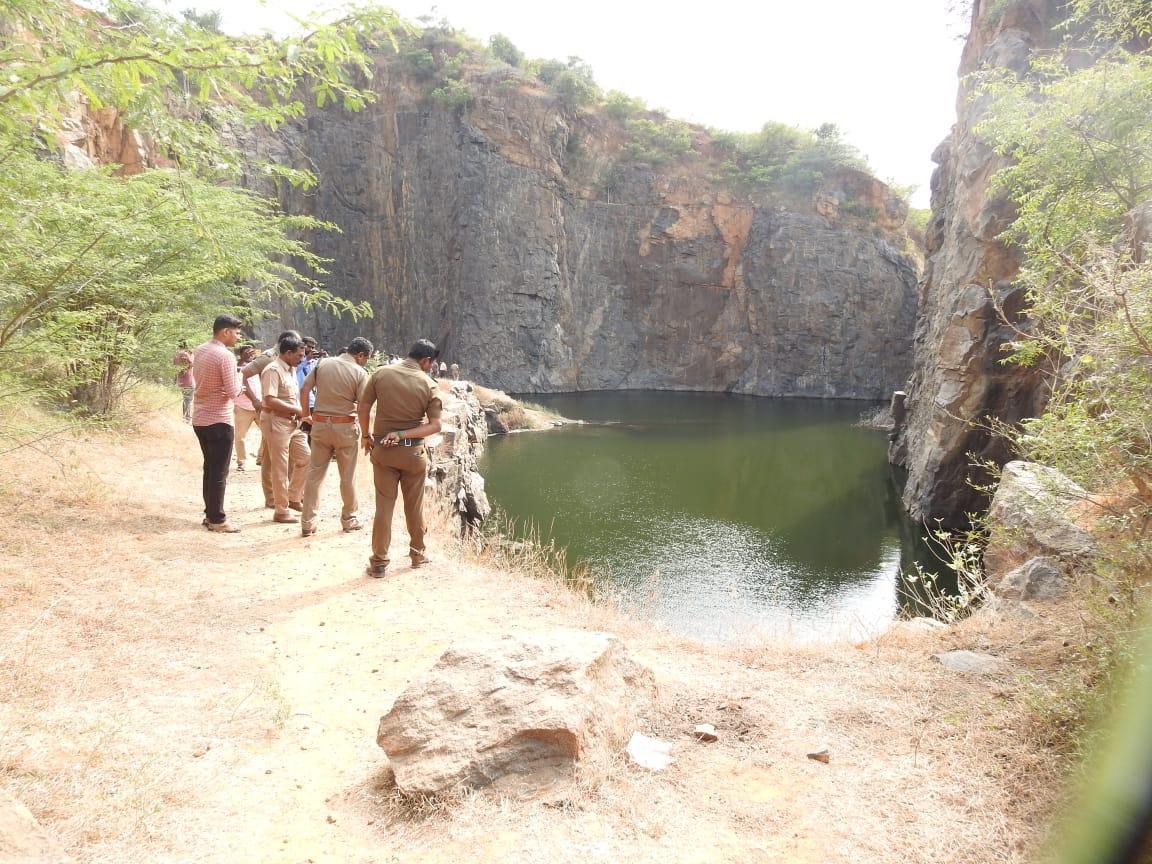கொலை செய்யப்பட்ட கல்லூரி சரவணன், கல்குவாரி