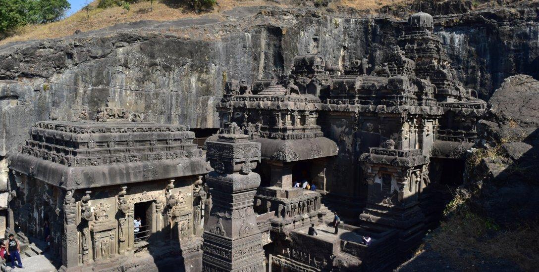 திராவிடக் கட்டடக்கலையின் உச்சம்...  எல்லோரா கயிலாசநாதர் கோயில் - ஒரு தரிசனம்!