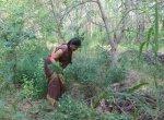 வறண்ட நிலத்தில் உருவான காடு... `கஜா'விலிருந்து வாழை மரங்களைக் காத்த கரூர் பெண்!