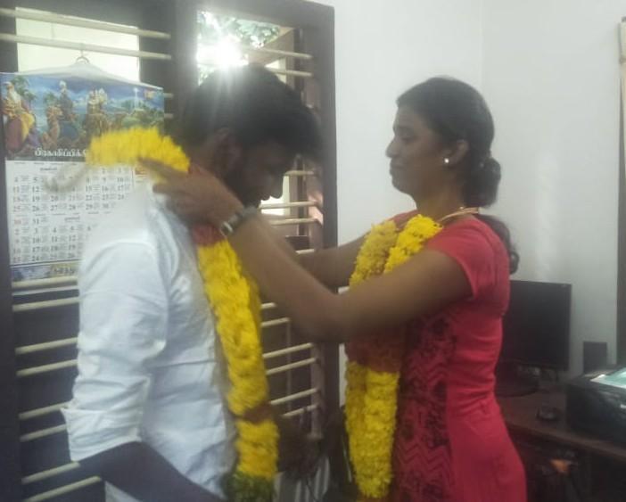 லவ் மெரேஜ் செய்த அப்சல், சுரேகா