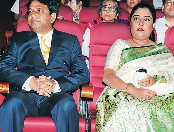 சாரதா அதிகர் சுதிப்தோ சென்