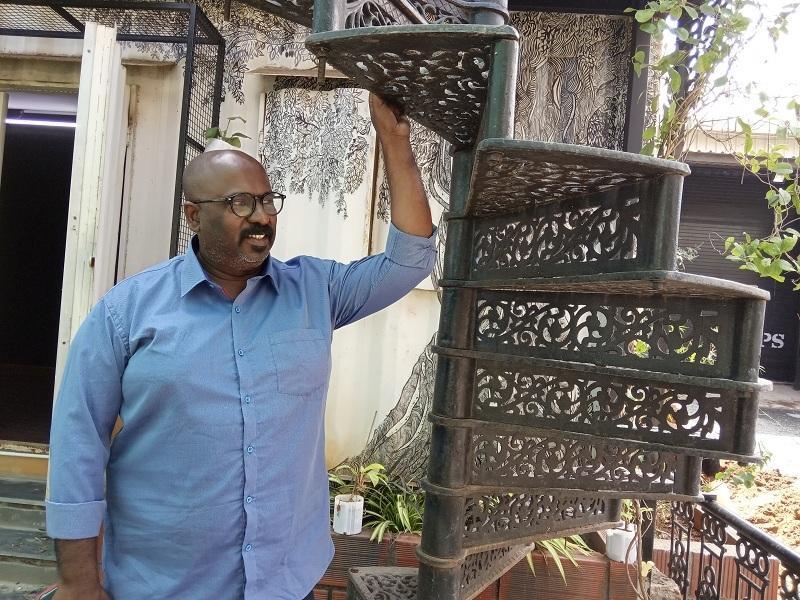 ஆர்ட் டைரக்டர் டி.முத்துராஜ்