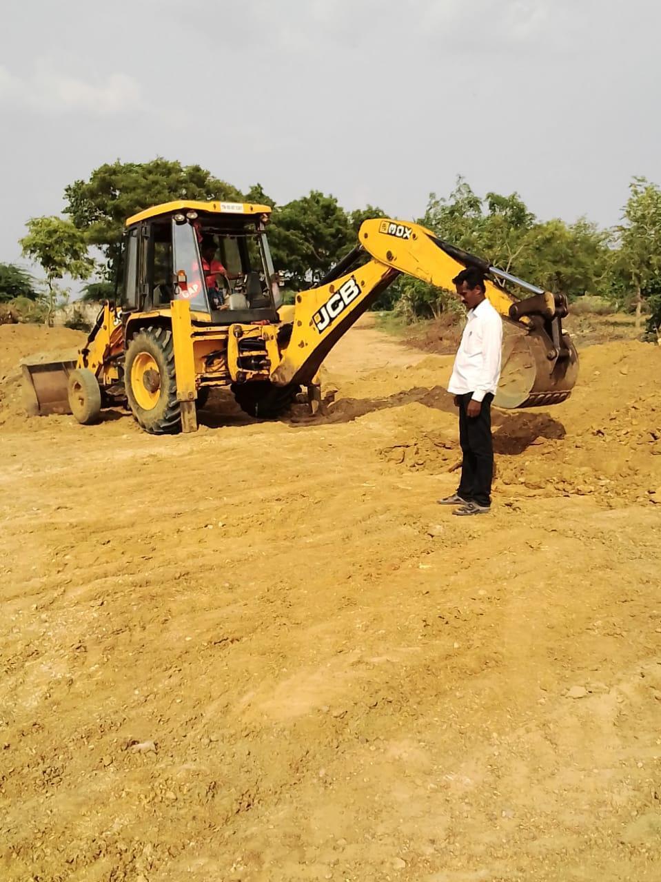 கரூர் மாவட்டத்தில் உள்ள ஏரி