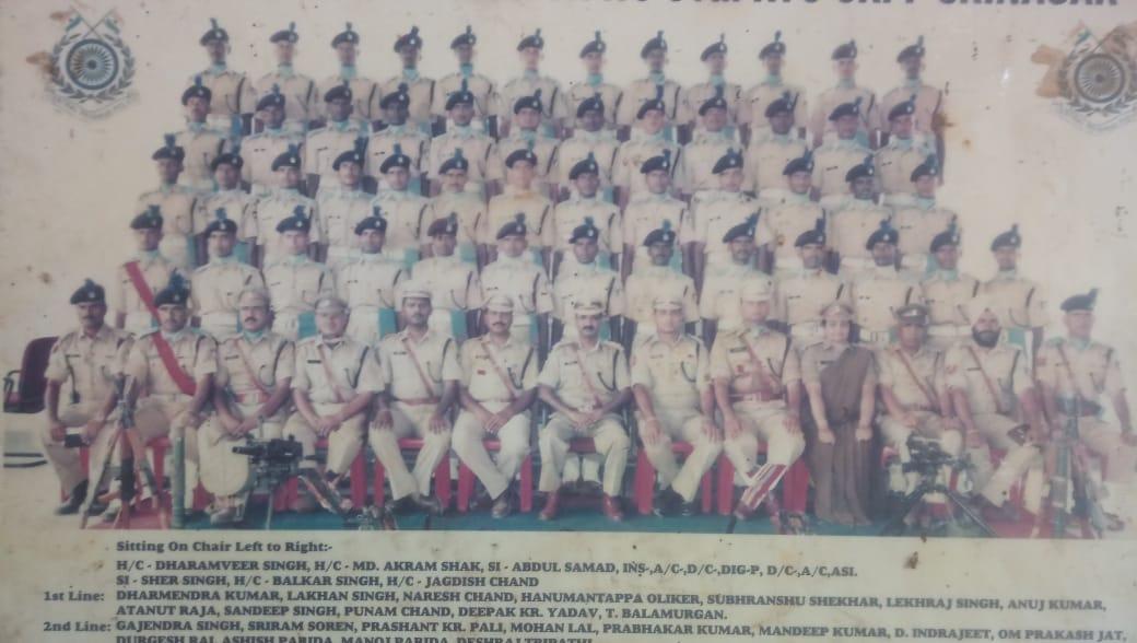 சிவசந்திரனுடன் சகவீரர்கள்