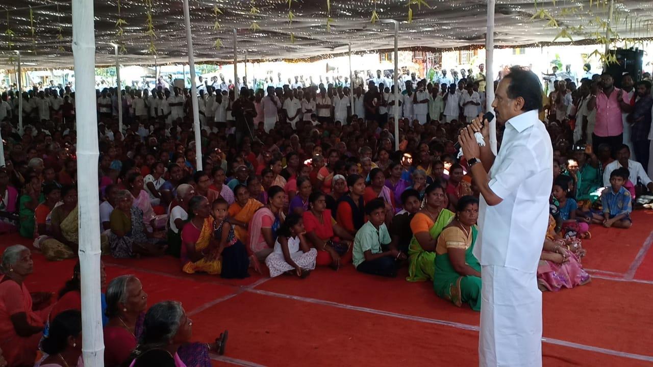 ஊராட்சி சபை கூட்டம் நடத்தும் ஸ்டாலின்