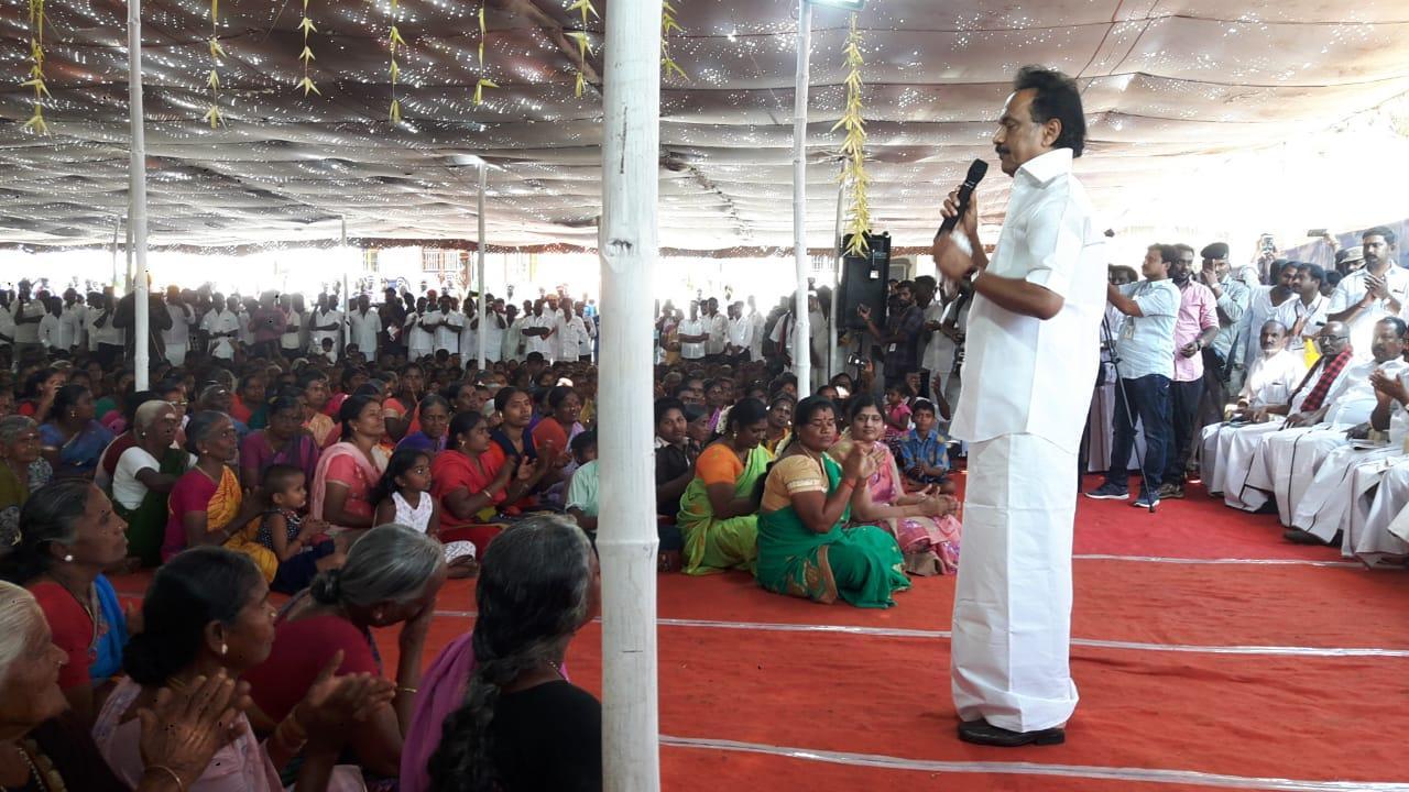 ஊராட்சி சபை கூட்டத்தில் பேசும் ஸ்டாலின்