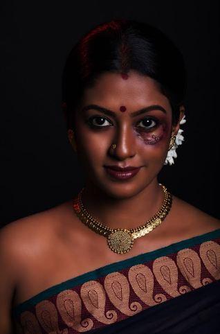 Model Roshini - Scars Of Society