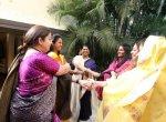 விளையாட்டு, நடனம், மேளதாளம் - இது பெண் அரசியல் தலைவர்களின் ஜாலி மொமன்ட்