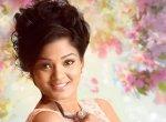 கான்டிராஸ்ட் பிளவுஸ், ஆன்டிக் ஜுவல்லரி... 'செம்பருத்தி' பாரதா காஸ்டியூம்ஸ்