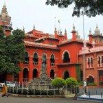 `அரசு அதிகாரிகள் ஹெலிகாப்டரிலா பறக்கின்றனர்?' - கொந்தளித்த நீதிபதிகள்