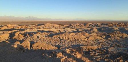 உப்புப் படுகைகளும், எரிமலைப் படிமங்களும்... நம்புங்க, இதுவும் பாலைவனம்தான்! #Atacama