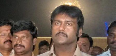 `கூட்டணிக்காக எங்க வீட்டு வாசலில் ஏன் நிற்க வேண்டும்?' - விஜயபிரபாகரன் கேள்வி
