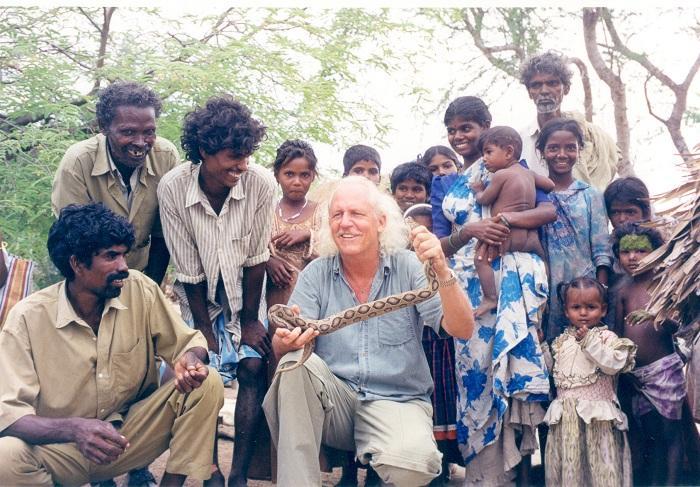 இருளர்களுடன் ராம் விடேகர்