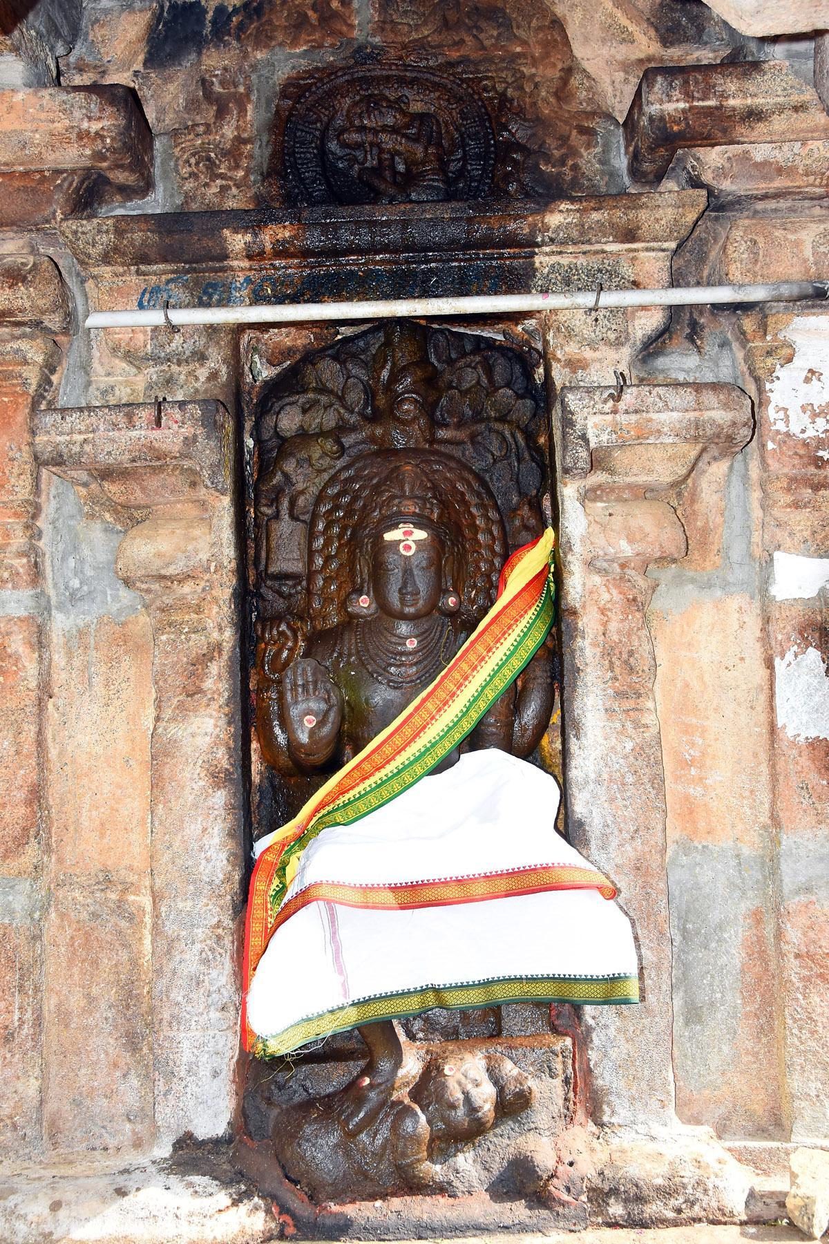 தட்சணாமூர்த்தி